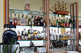 bar macro hotel panoramico in Riviera Romagnola
